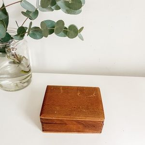 Small wood box